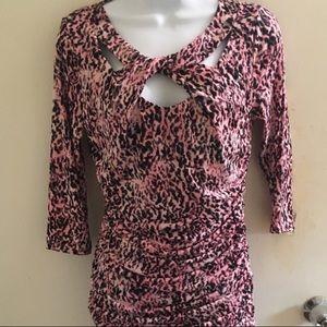 Jennifer Lopez size XL top pink leopard